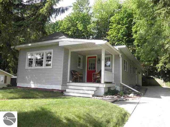 423 Crystal Ave, Frankfort, MI 49635
