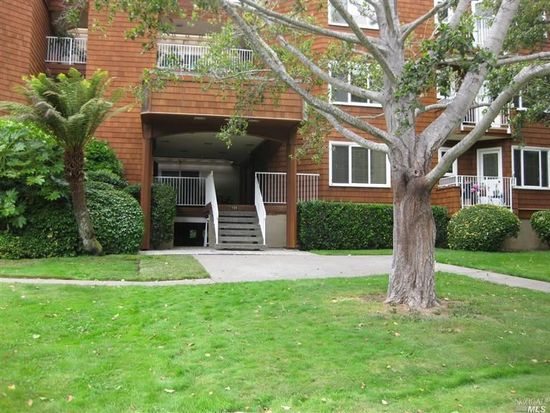 150 Seminary Dr APT 1A, Mill Valley, CA 94941