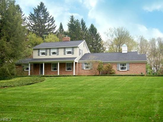 813 Spring Water Dr, Akron, OH 44333