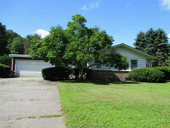 115 Betty Pond Rd, Hope, RI 02831