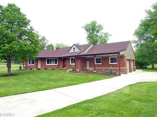 7315 Walton Rd, Walton Hills, OH 44146
