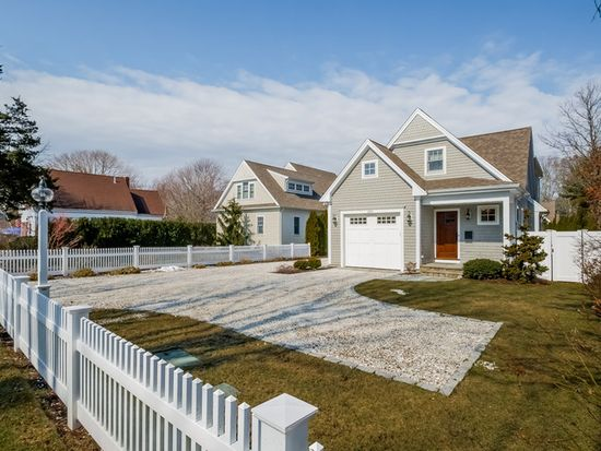 38 Blossom Ave # A, Osterville, MA 02655