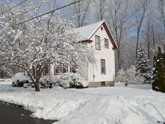16 Orchard St, Westford, MA 01886