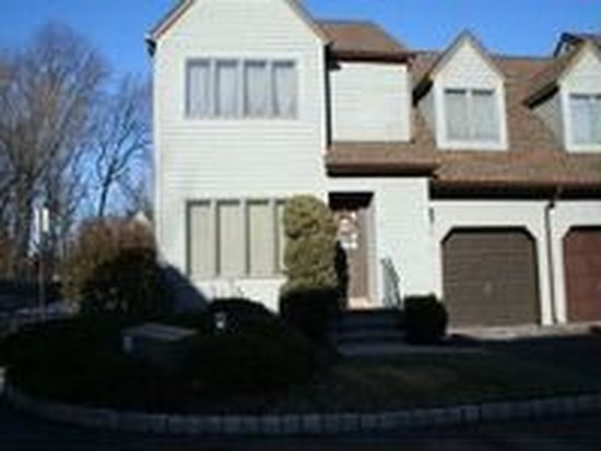 13 Village Park Ct, Scotch Plains, NJ 07076