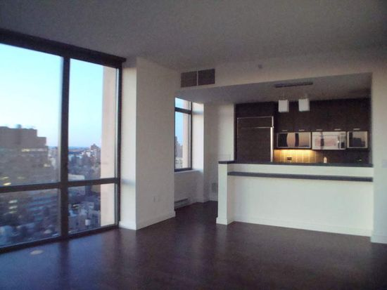 101 W 24th St APT 30B, New York, NY 10011