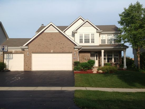 3260 Banford Cir, Lake In The Hills, IL 60156