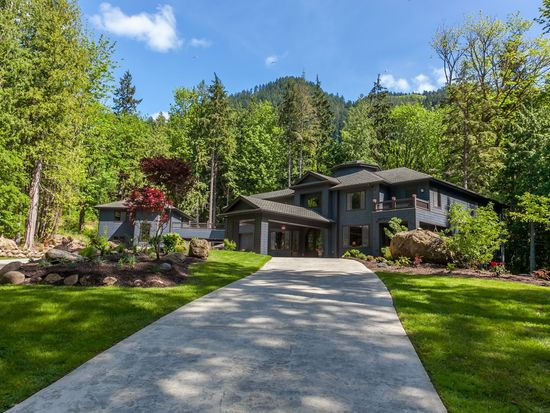 24005 SE 106th Pl, Issaquah, WA 98027