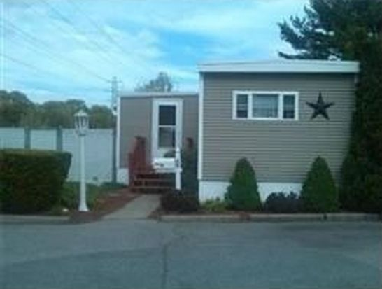242 Manton St TRLR 42, Pawtucket, RI 02861