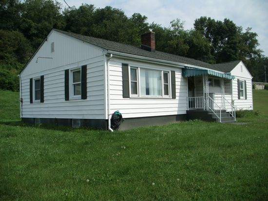105 Orchard Ln, Powhatan Point, OH 43942