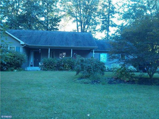 149 Roberts Ave, Levittown, PA 19057
