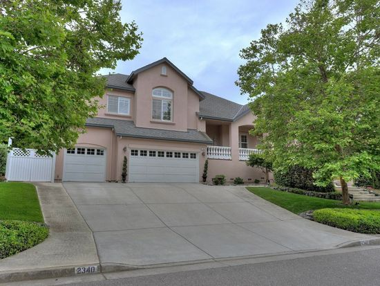 2340 Country Dr, Gilroy, CA 95020