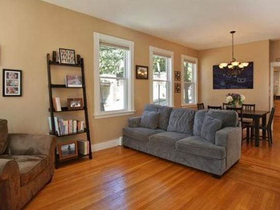91 1/2 Russell St, Charlestown, MA 02129