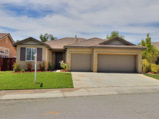 1379 Larkspur Ln, Beaumont, CA 92223