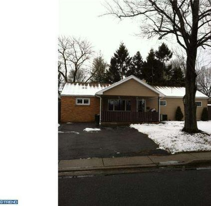 637 Auburn Rd, Fairless Hills, PA 19030