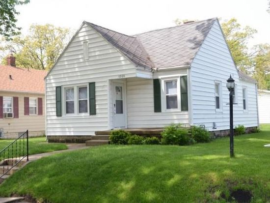 1325 College St, South Bend, IN 46628