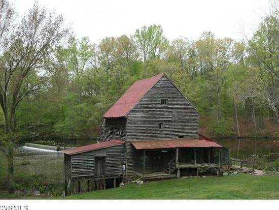 18416 Woodsons Mill Rd, Beaverdam, VA 23015