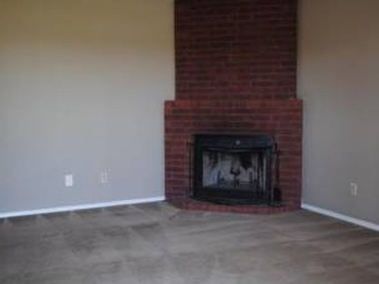 1335 N Carlsbad Trce, Fayetteville, AR 72704