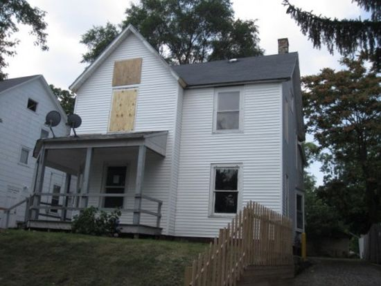 1827 Francis Ave SE, Grand Rapids, MI 49507