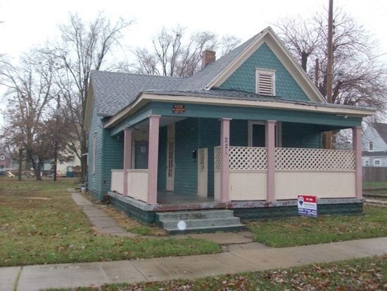 221 Gilbert Ave, Terre Haute, IN 47807