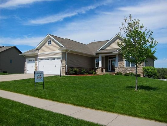 460 Carlyle Dr, North Liberty, IA 52317