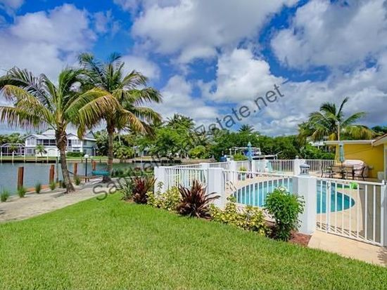 1735 Jewel Box Dr, Sanibel, FL 33957