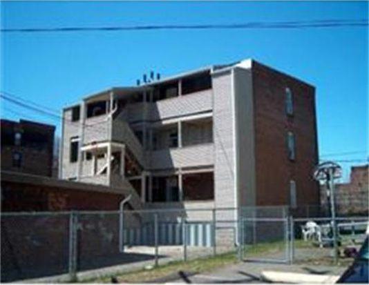568 S East St APT 2R, Holyoke, MA 01040