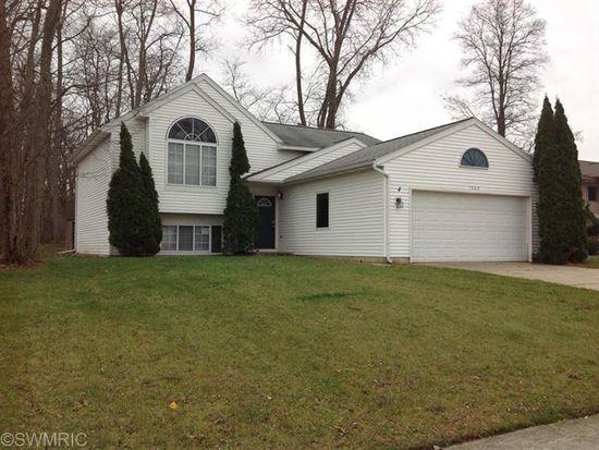 1564 Amberly Dr SE, Grand Rapids, MI 49508