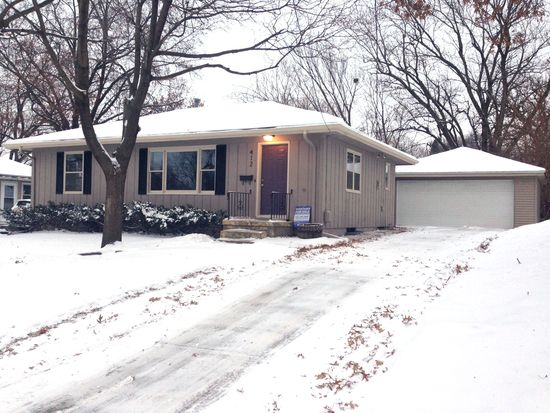 4125 Ardmore Rd, Des Moines, IA 50310