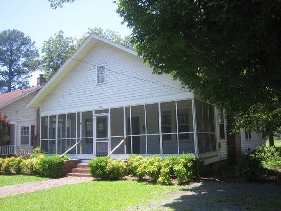 203 Mclaurin Ave, Laurinburg, NC 28352
