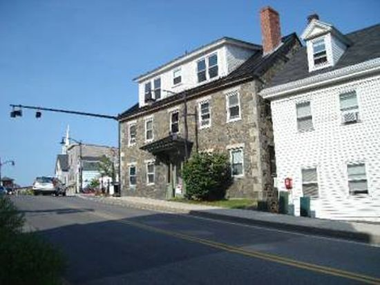 1 Exeter Rd APT 4, Newmarket, NH 03857