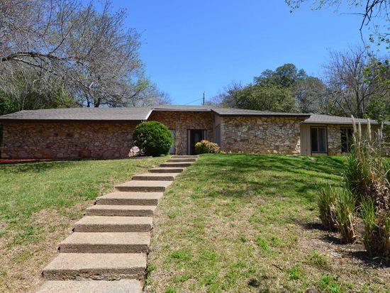 8900 Valley Brook Cir, Waco, TX 76712