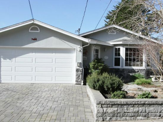 960 La Mirada Way, Pacifica, CA 94044
