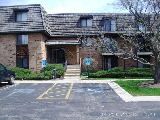 12 Oak Creek Dr APT 2212, Buffalo Grove, IL 60089