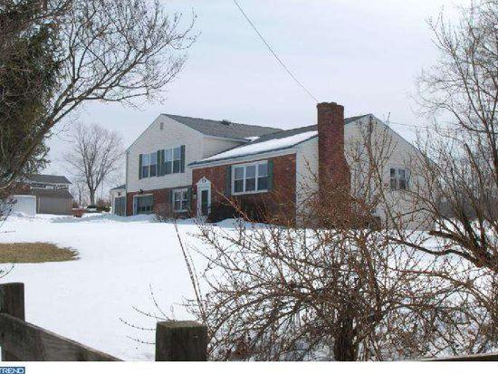 306 Moyer Rd, Perkasie, PA 18944