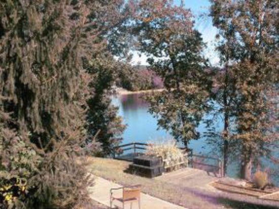 15 Lake Village Ct, Johnson City, TN 37601