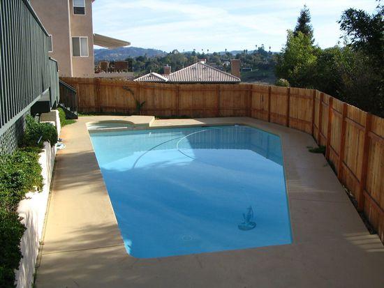 1270 Phillips St, Vista, CA 92083