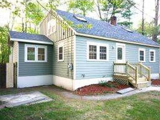 14 Sunrise Ter, Plaistow, NH 03865