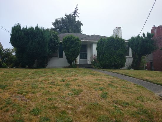 3827 29th Ave W, Seattle, WA 98199