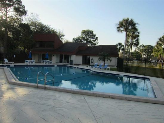 2056 Sunset Point Rd APT 24, Clearwater, FL 33765