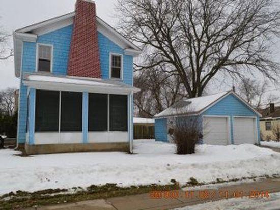 770 Jay St, Elgin, IL 60120