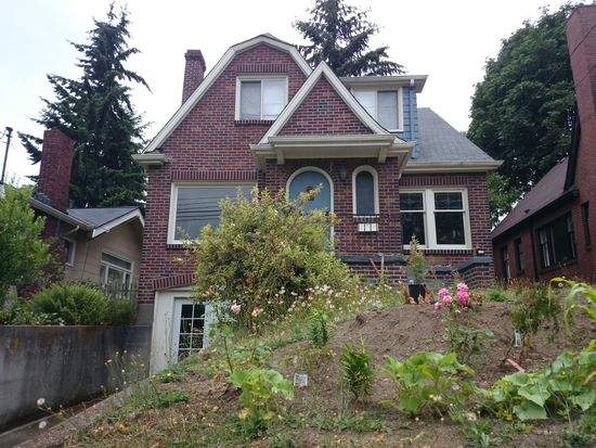 2122 N 50th St, Seattle, WA 98103