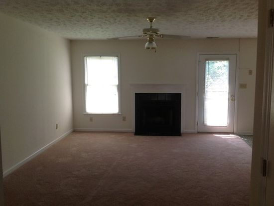 2150 Skyview Dr, Fayetteville, NC 28304