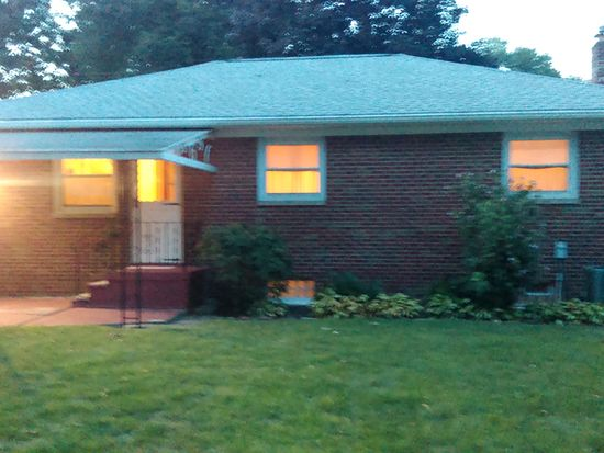 94 E Woodsdale Ave, Akron, OH 44301
