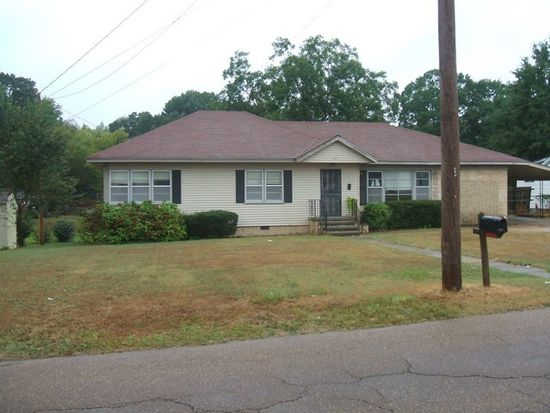 190 S Chesterman St, Holly Springs, MS 38635