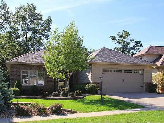 2154 Dempster Dr, Coralville, IA 52241