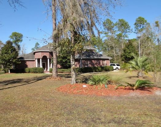 225 NW Scenic Lake Dr, Lake City, FL 32055