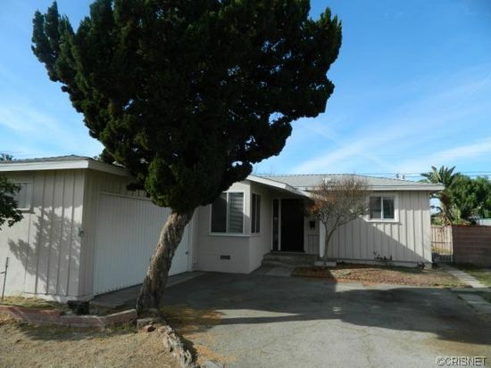 9401 Natick Ave, North Hills, CA 91343