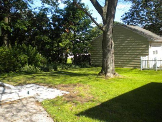 1716 E 238th St, Euclid, OH 44117