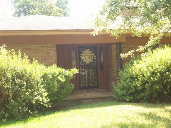 3545 Forest Dr, Greenville, MS 38703