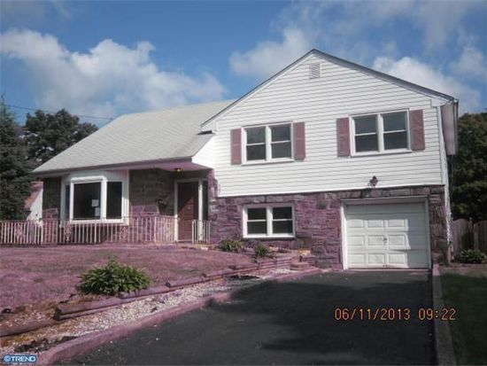 307 Boxwood Ln, Cinnaminson, NJ 08077